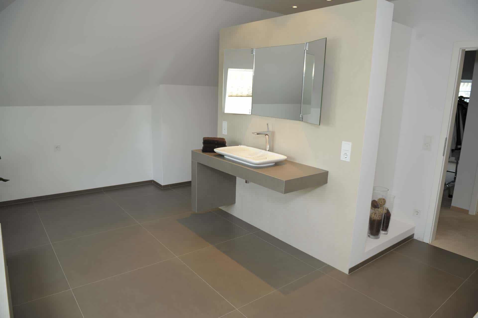 Fliesen für Wohnraum und Badezimmer |