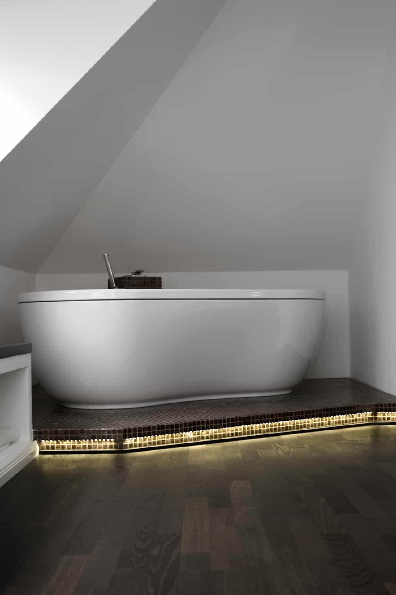 Luxus bad mit holzboden for Bad luxus design