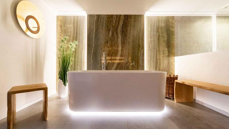 Bad mit Marmor Fliesen Optik