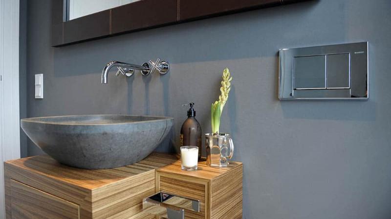 Fliesen Design Gästebad mit Steinwaschtisch